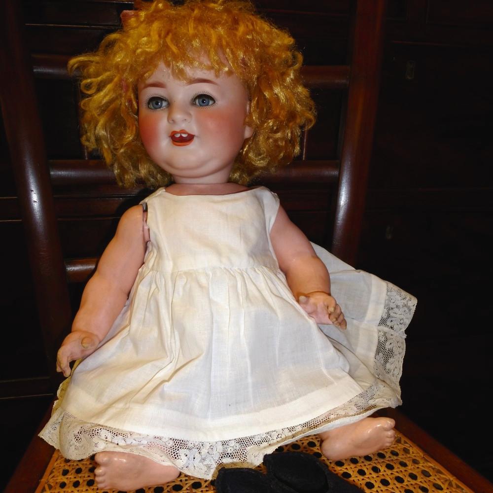 Antique-Schoenau-Hoffmeister-doll-Das Lachende